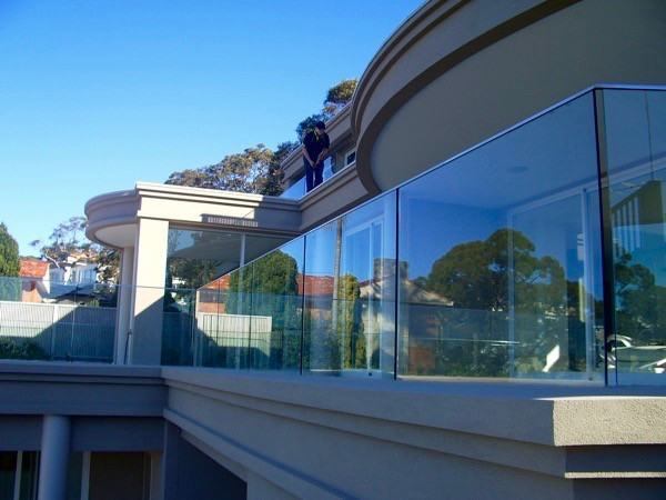 The 5 Brilliant Benefits Of A Glass Balustrade Balcony